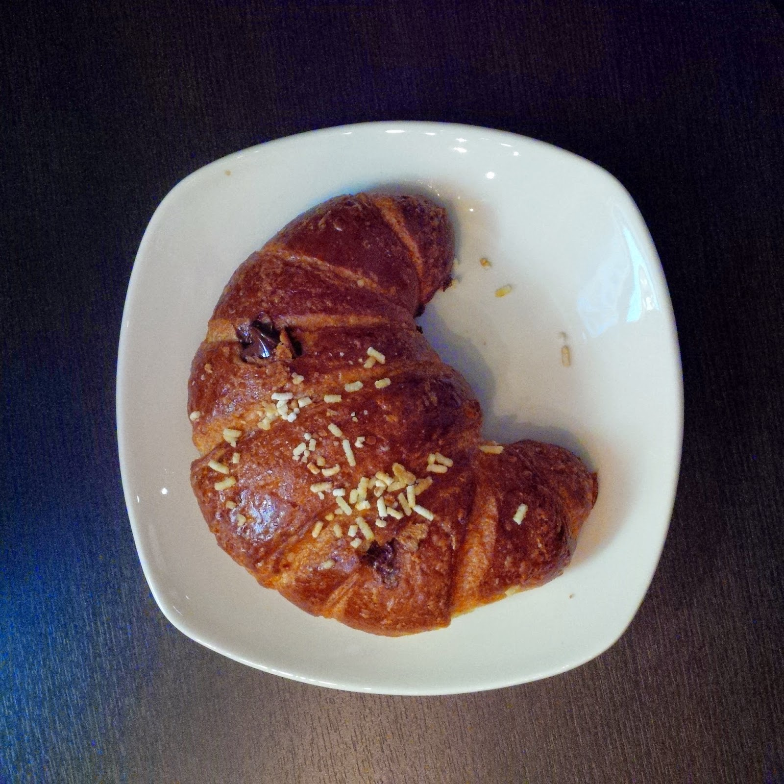 Venchi's brioche on a plate