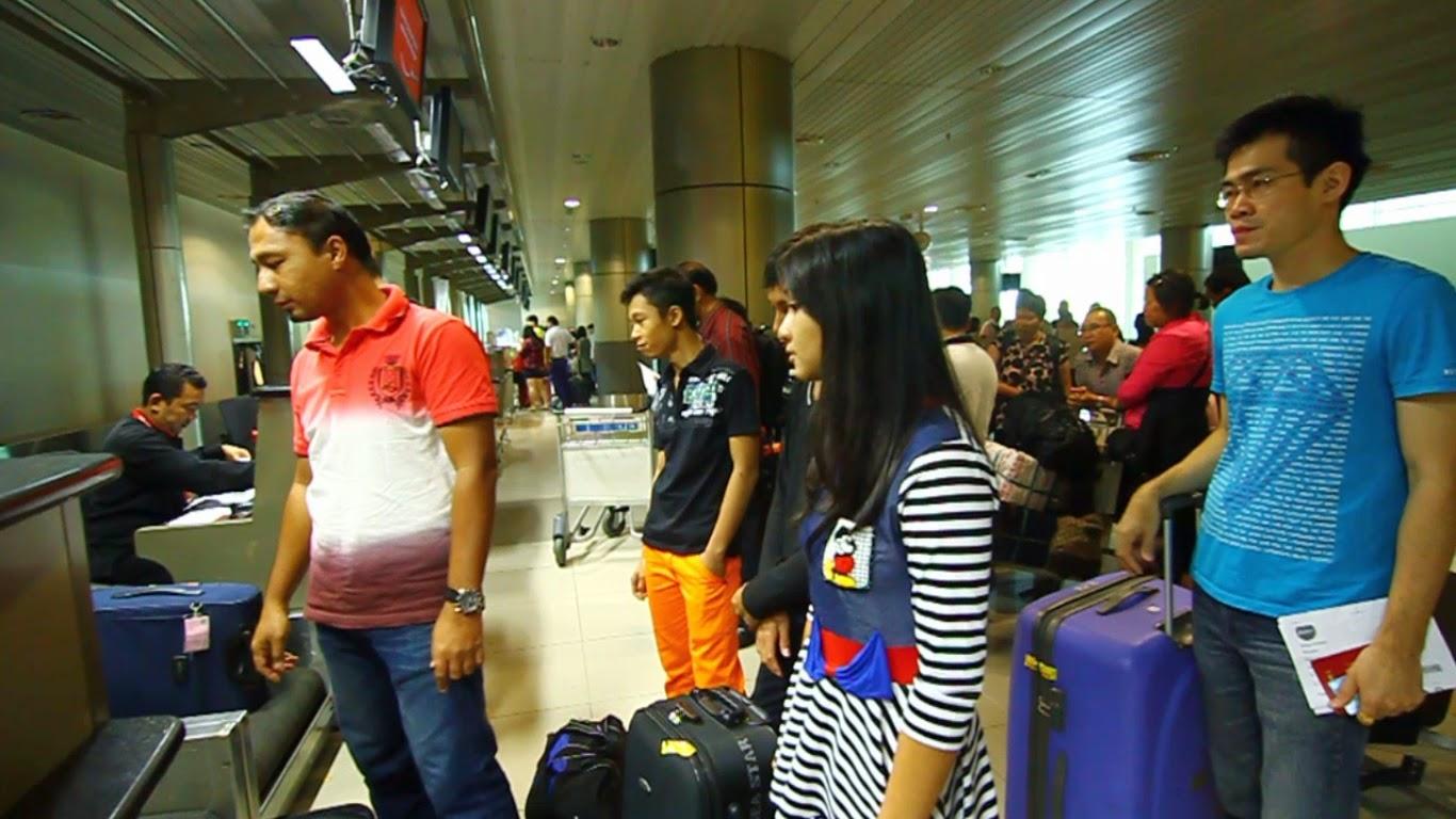 Team Sarawak di Lapangan Terbang Sibu