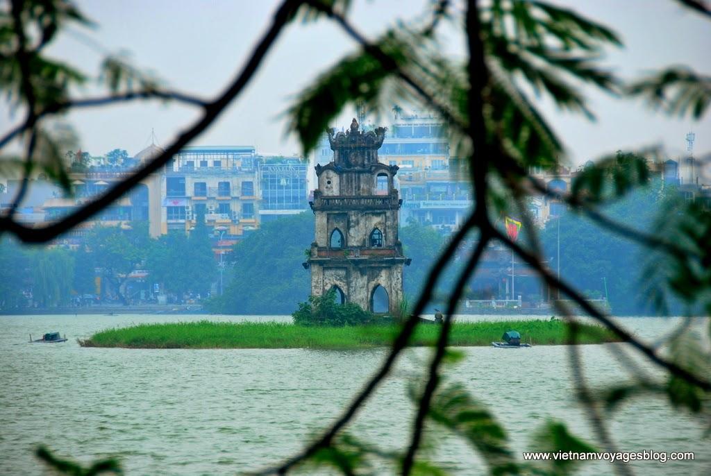 Buổi sáng ở Hồ Gươm, Hà Nội