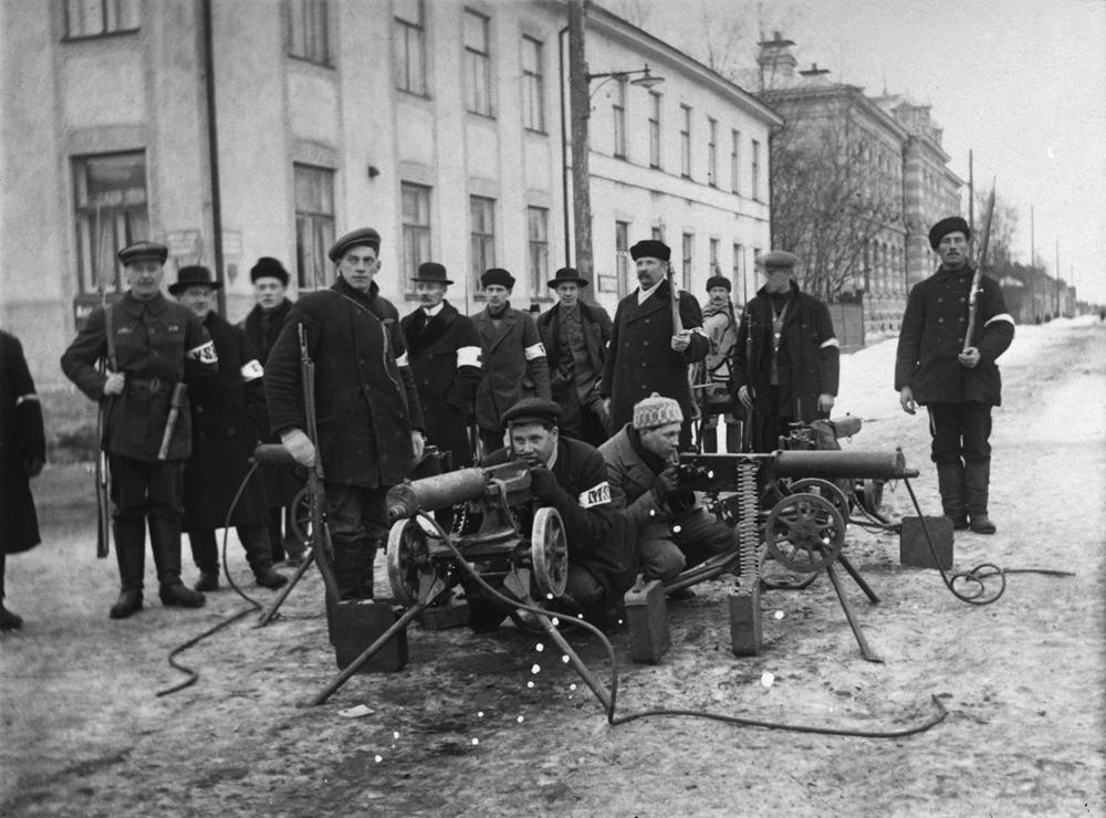 nainen armeijassa Heinola