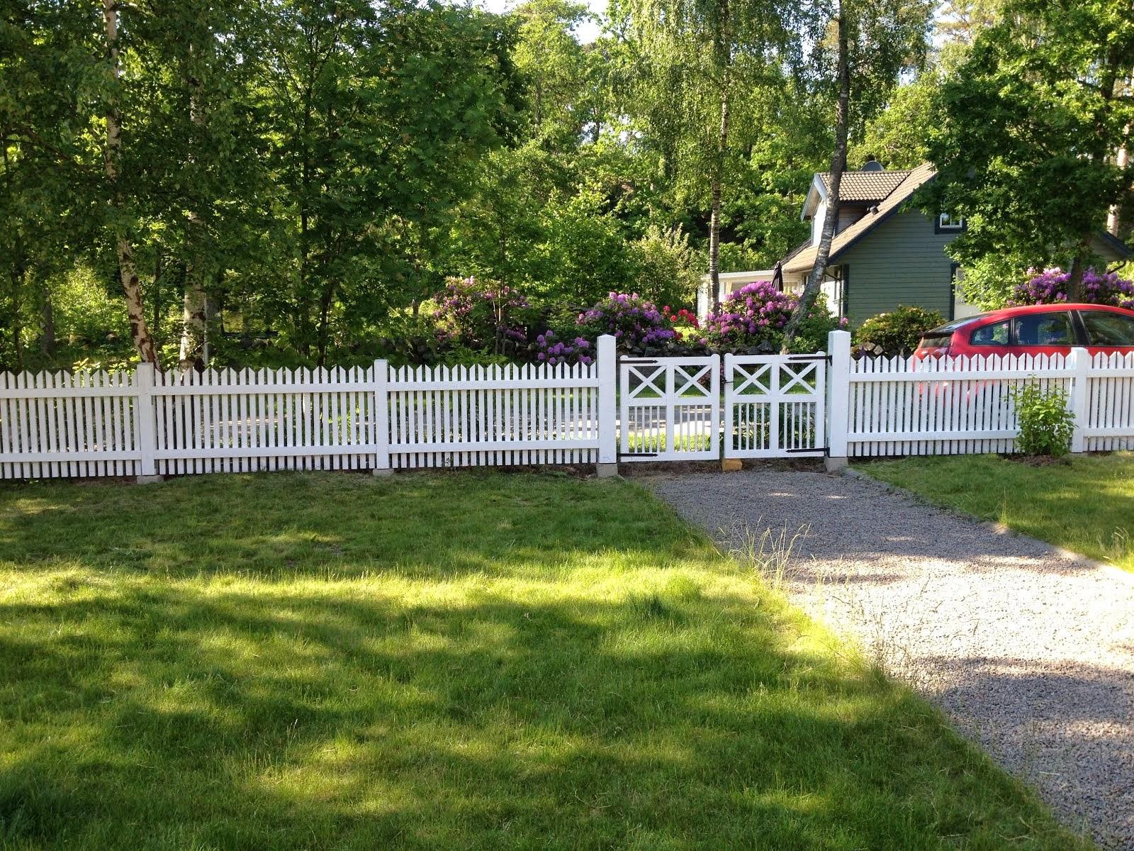 Färdigt staket & grindar sommaren 2014
