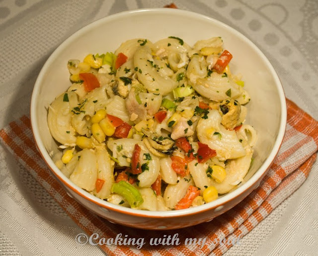 Salata de paste cu scoici si peste
