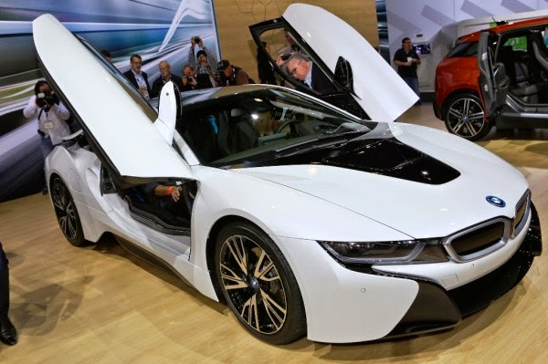Gambar Mobil Sport Mewah BMW i8