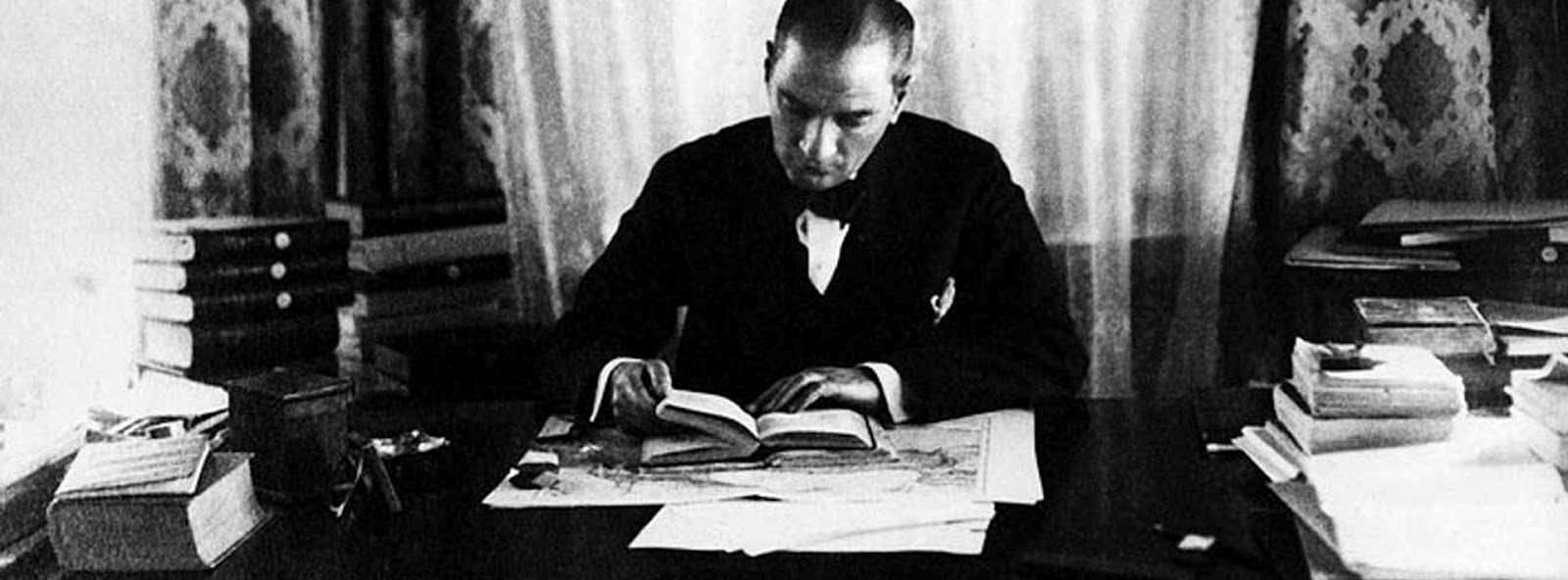 http://3.bp.blogspot.com/-FjiZD68uu64/TzenAZMS21I/AAAAAAAAALM/HLCU9Xk-SBY/s1600/Mustafa_Kemal_Ataturks.jpg