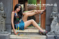 hot Cynthia Wijaya di Majalah Popular World, November 2012 (Part 1)
