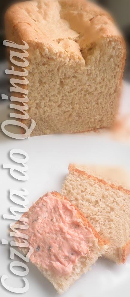 Pão Caseiro com Patê de Salmão Gomes da Costa