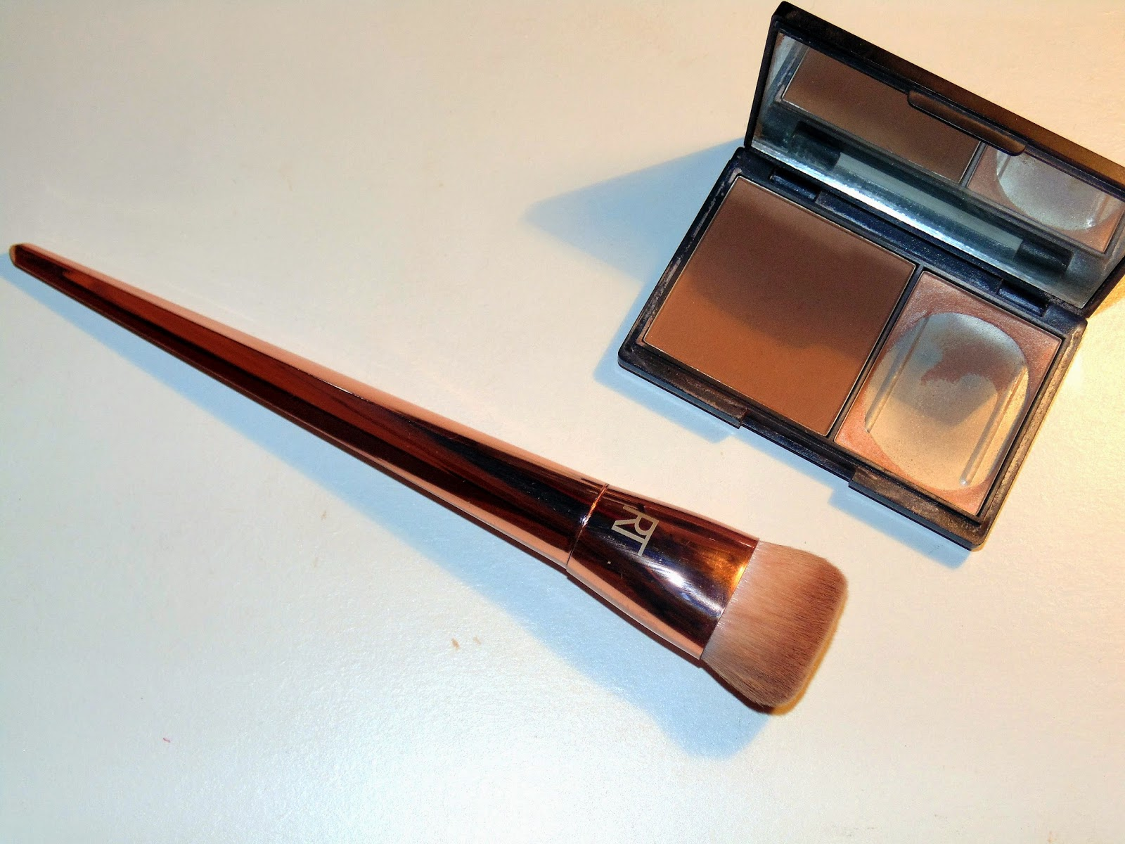 Real Techniques Bold Metal Collection Flat Contour Brush
