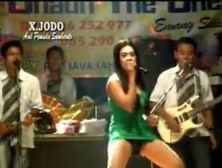 Dangdut Hot 3gp Wedhus Lia Kanza