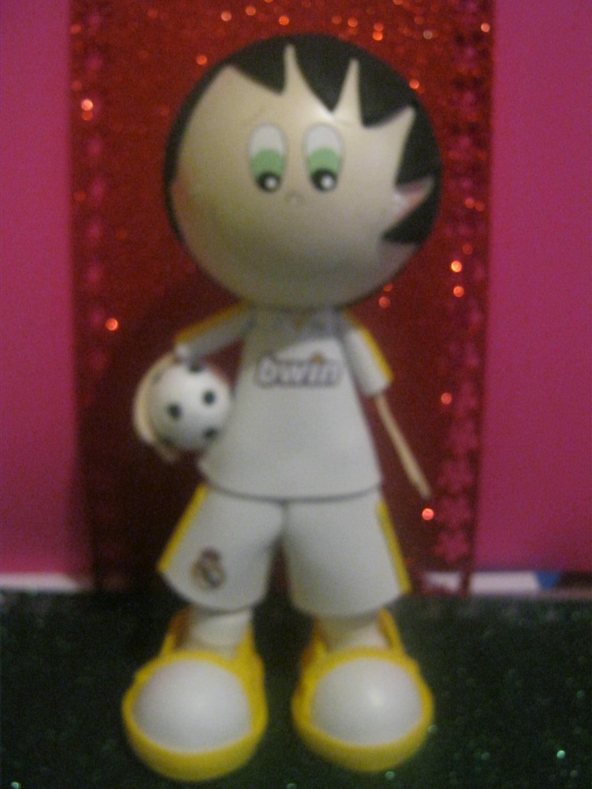 http://3.bp.blogspot.com/-Fk9oiakbPfA/UJtWvtR0heI/AAAAAAAAHqU/UN_HLz21Hik/s1600/mu%C3%B1eco+3d+doll+Fofucho+foamy+gomaeva+cristiano+ronaldo+real+madrid+fc+Artfoamicol+manualidades+hancraft+craft+patrones+balo+oro+moldes+futbolistas+2013+colombianos+0.JPG