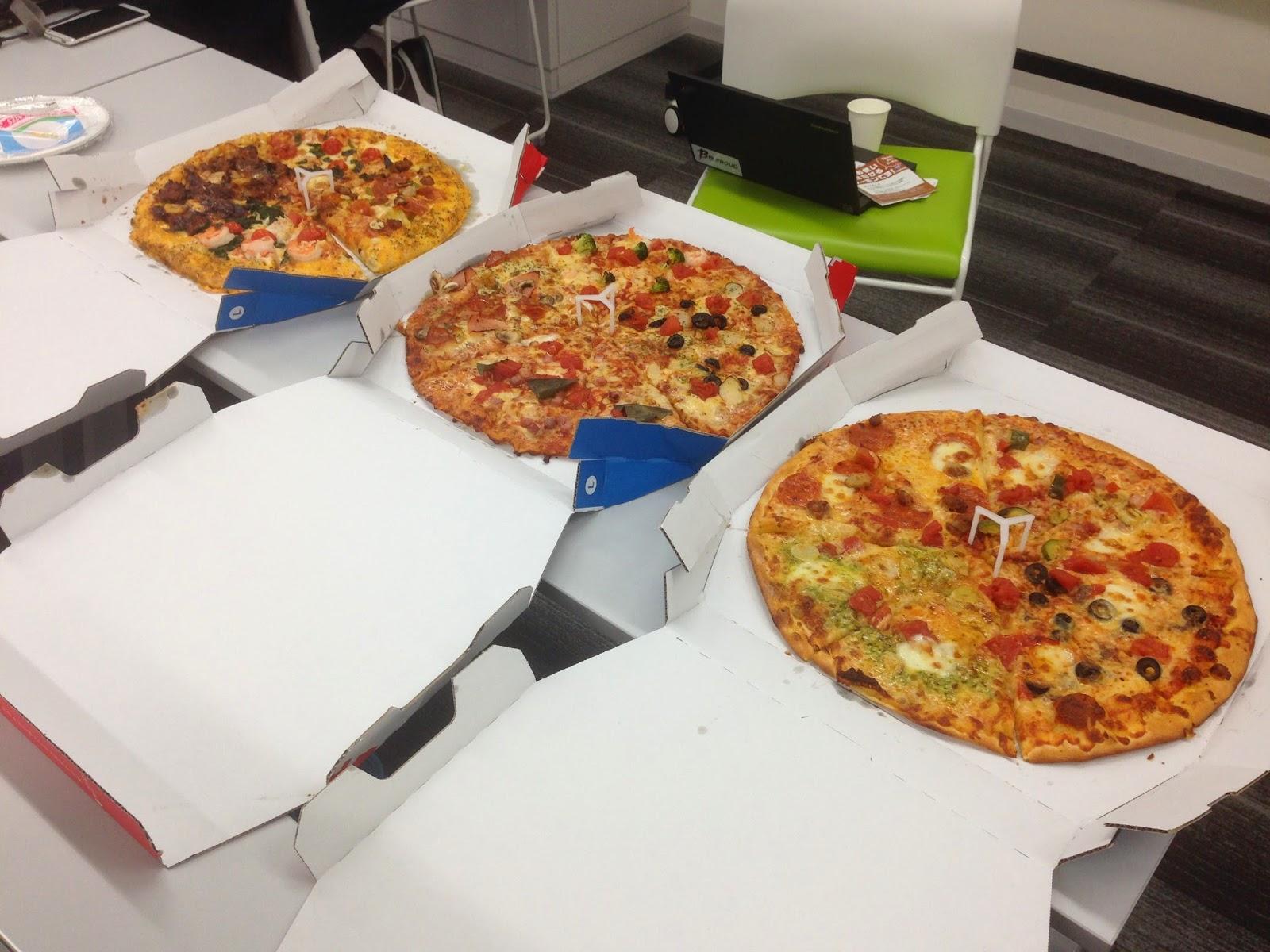 みんなでピザも食べました