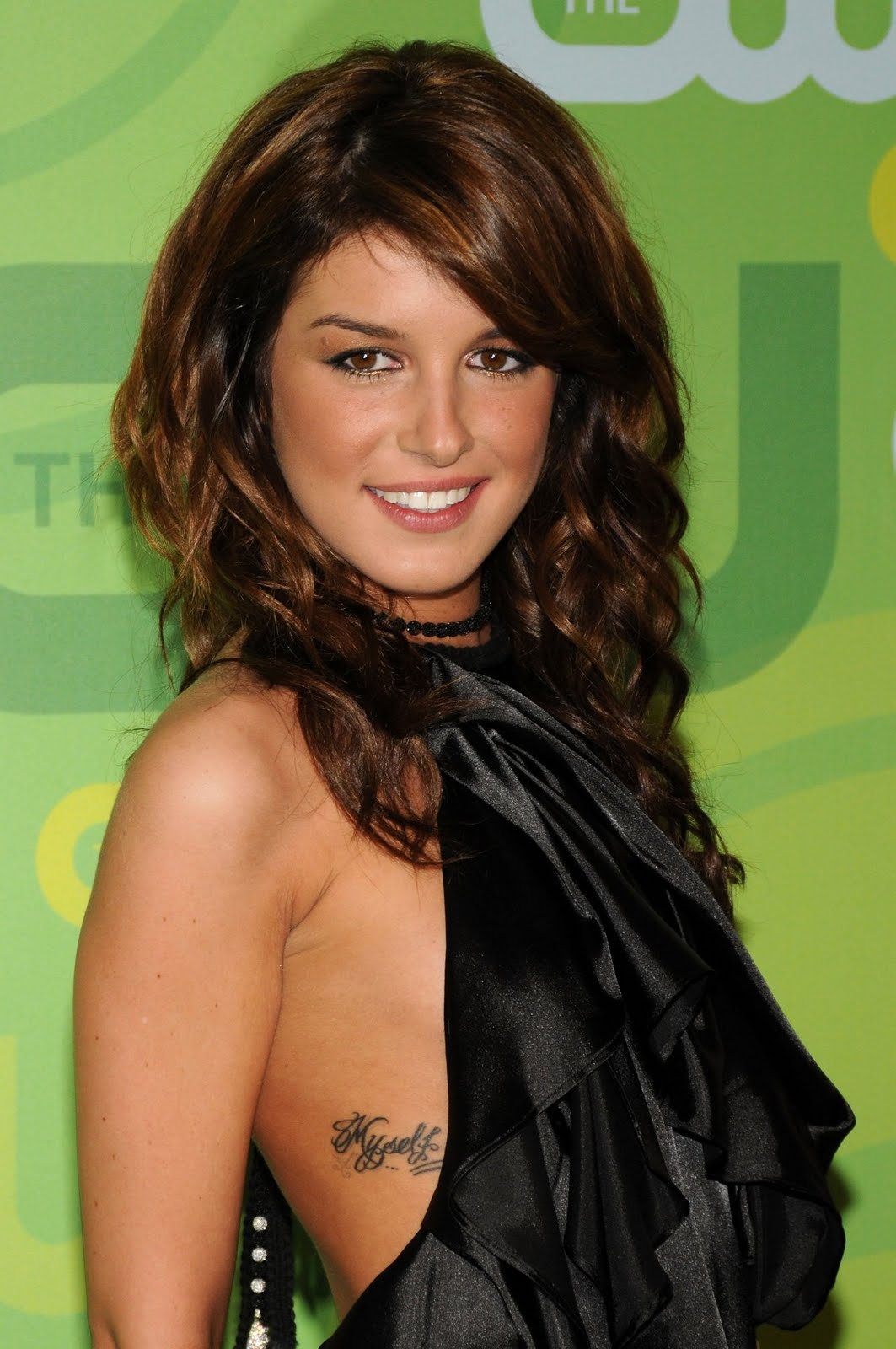 Shenae Grimes Side Breast Tattoo