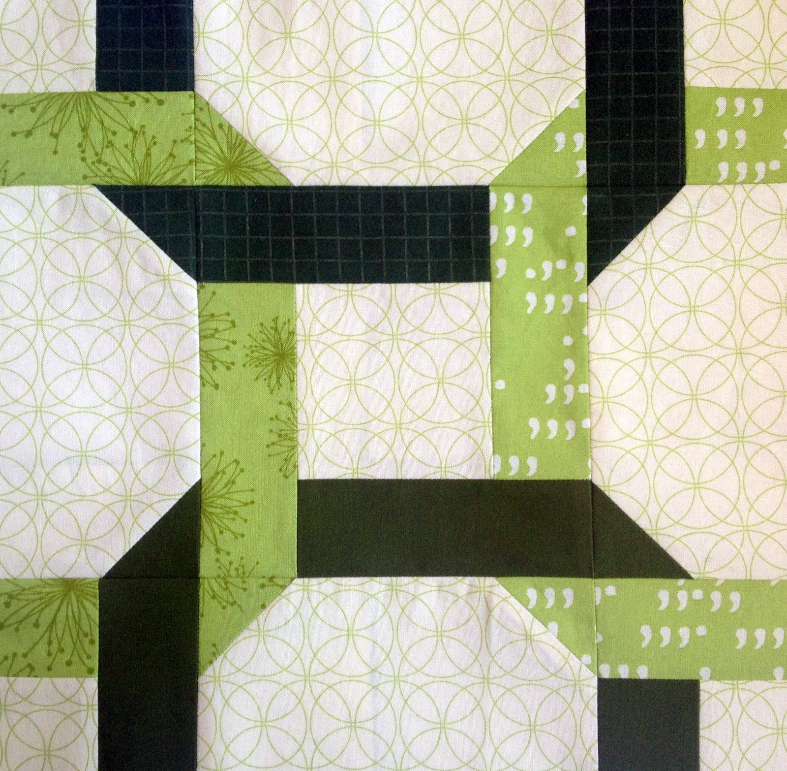 Free Quilt Patterns And Blocks : Starwood Quilter: Celtic Twist Quilt Block