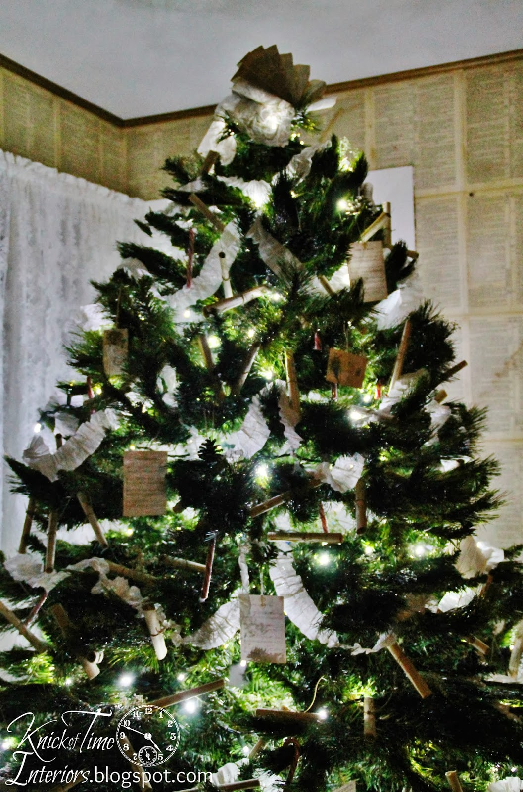 Christmas Tree Vintage Style Knick Of Time