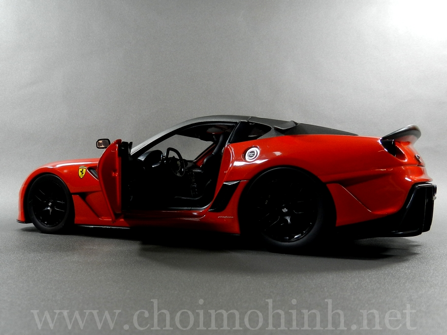 Ferrari 599XX 1:18 Hot Wheels door
