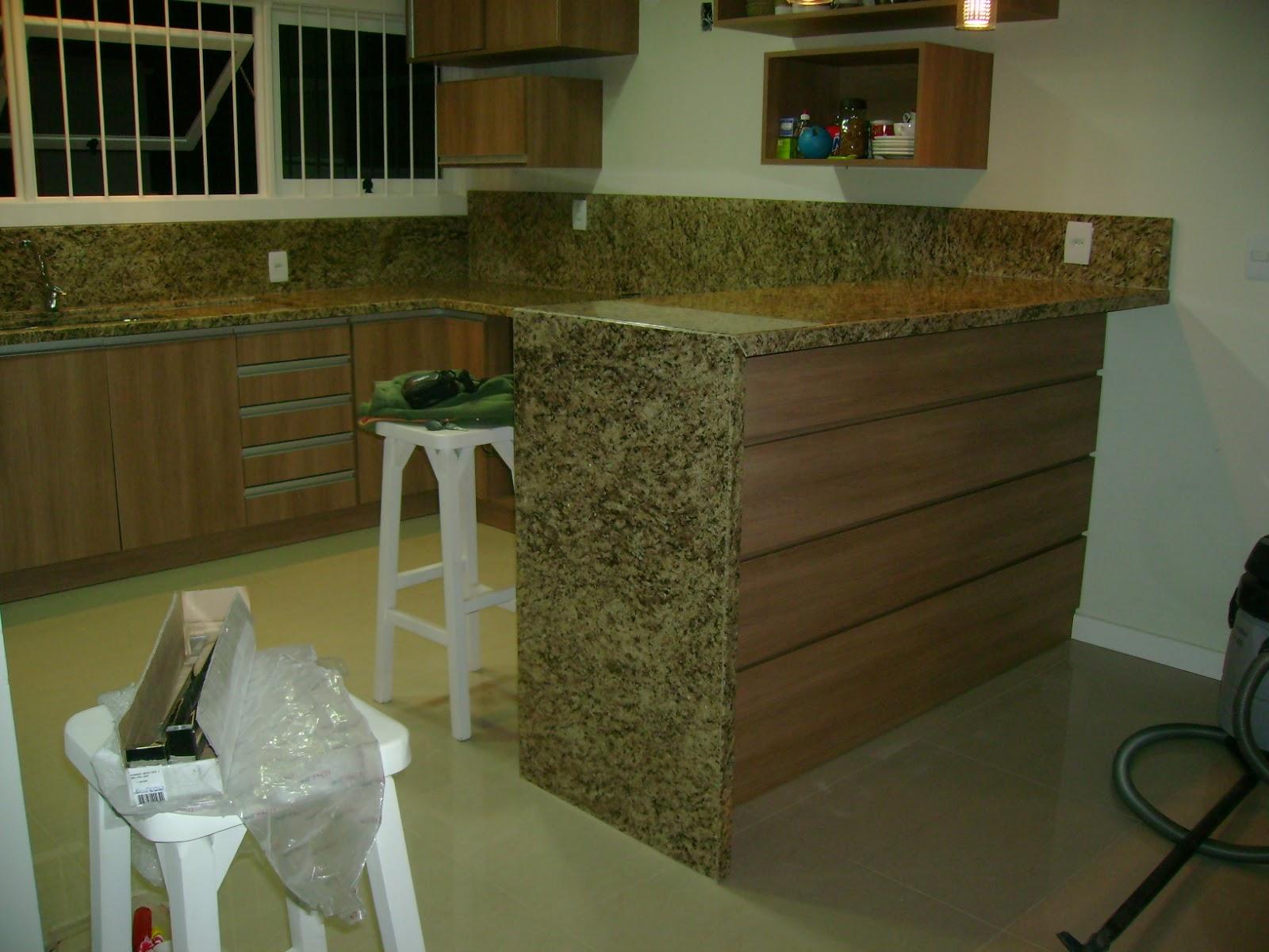 GRANITO ORNAMENTAL ESCURO ORNAMENTAL CLARO E BRANCO FORTALEZA #594924 1600x1200 Banheiro Com Granito Ornamental