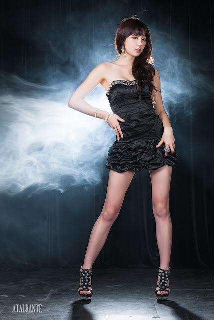 2 Hong Ji Yeon in Black-Very cute asian girl - girlcute4u.blogspot.com