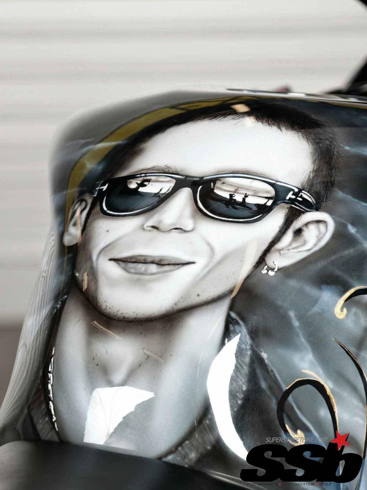 Gambar Honda CBR1000RR Modif Tema Valentino Rossi