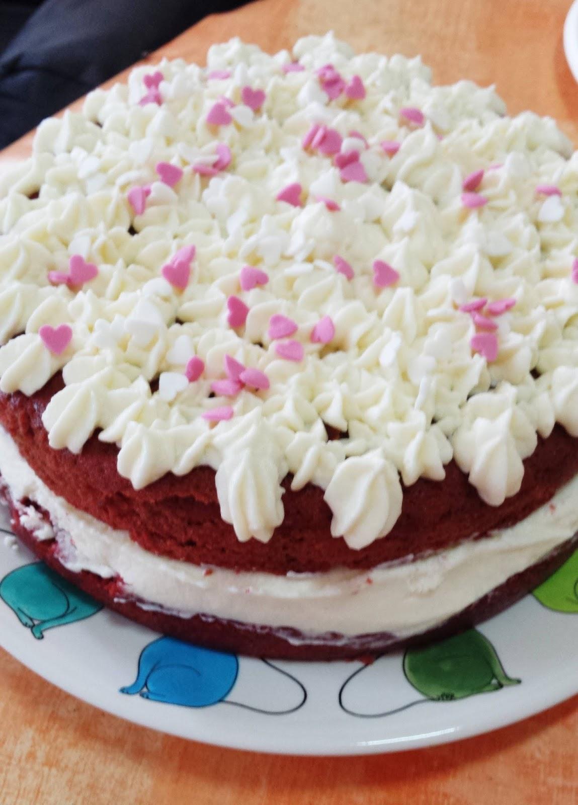 Paz y gloria en la cocina tarta de terciopelo rojo red - Tarta red velvet alma obregon ...