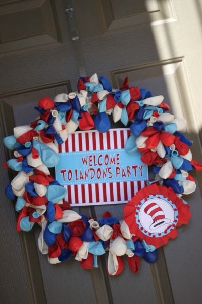 Crafter on a Budget: Memorial Day/4th of July Wreaths Round-