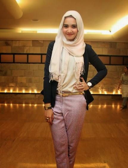 Model baju muslim ala Zaskia Sungkar