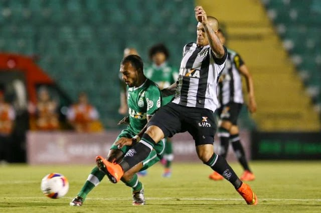 De virada, Chapecoense perde e mantém tabu diante do Figueirense.