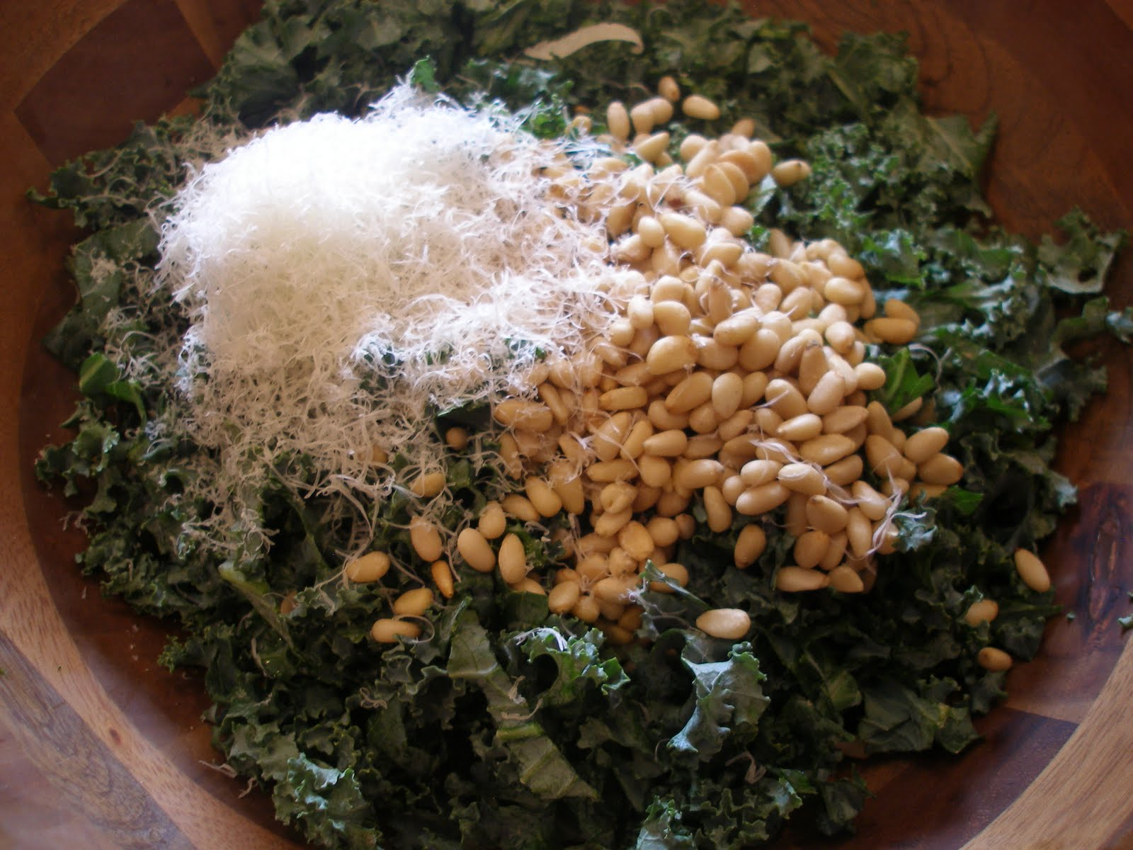 Emily's Fresh Kitchen – Kale salad with garlic dressing