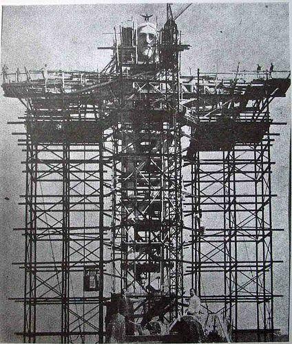 Construction of Christ The Redeemer in Rio de Janeiro.jpg