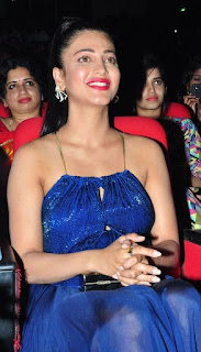 Shruti haasan Pictures at srimanthudu Audio Launch.jpg