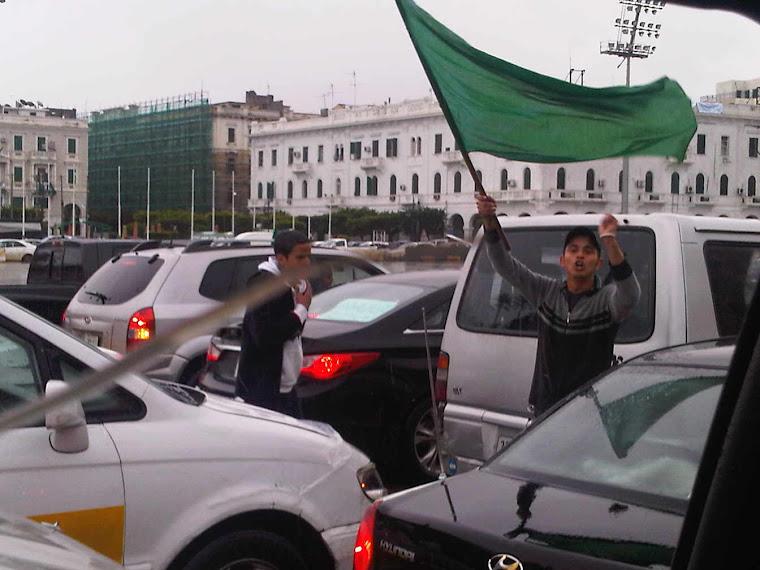 Manifestante en Trípoli