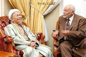 Tuan Guru bersama Sheikh Muhammad bin Mehdi Akif