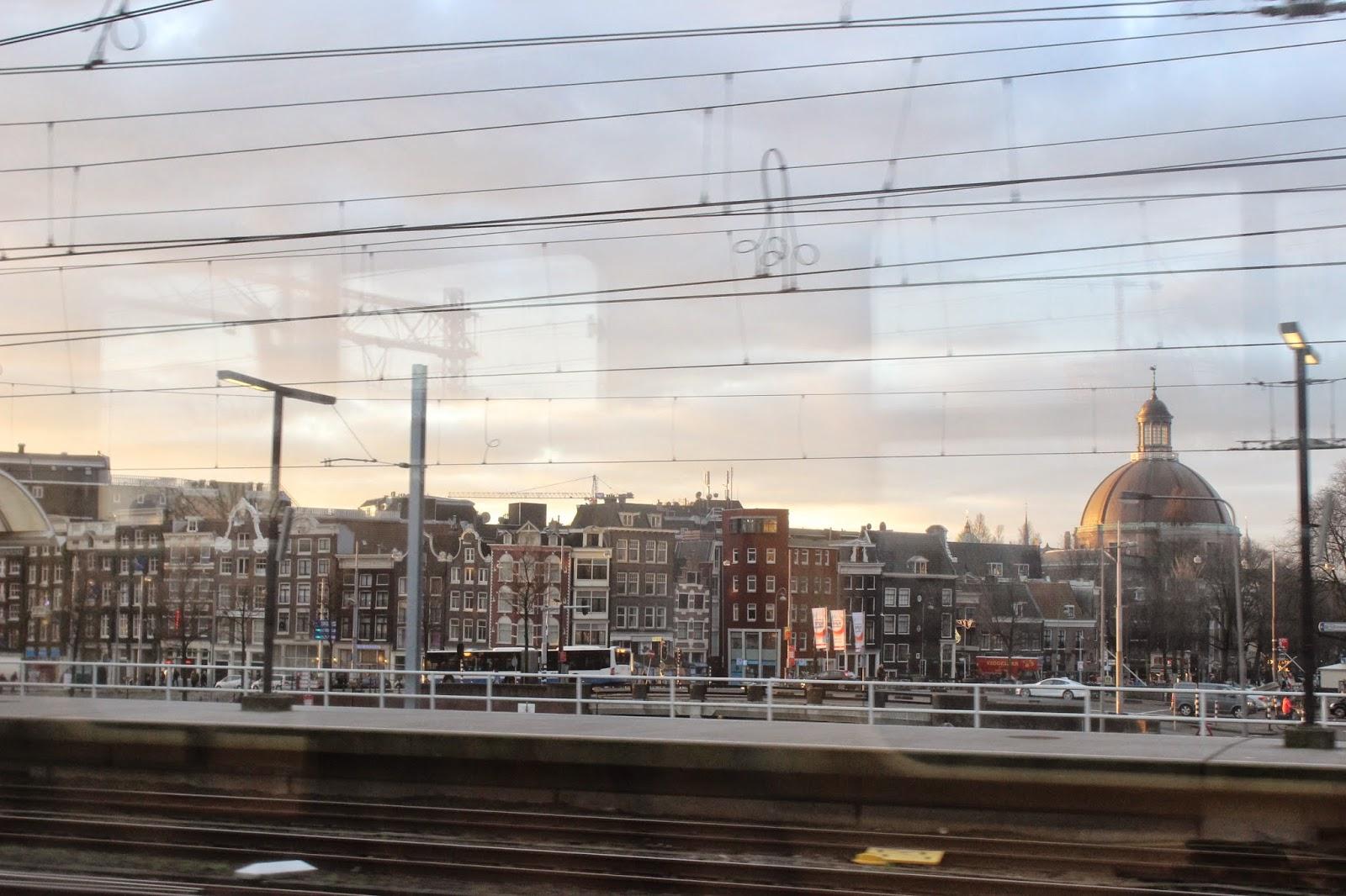 Kota Amsterdam dari Kereta Sprinter, Belanda