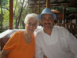 Con Aurora M. Ocampo