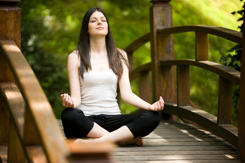 Yoga Salah Satu Cara Ampuh Menghilangkan Stres Berat