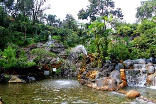 Tempat wisata air panas Ciater di subang