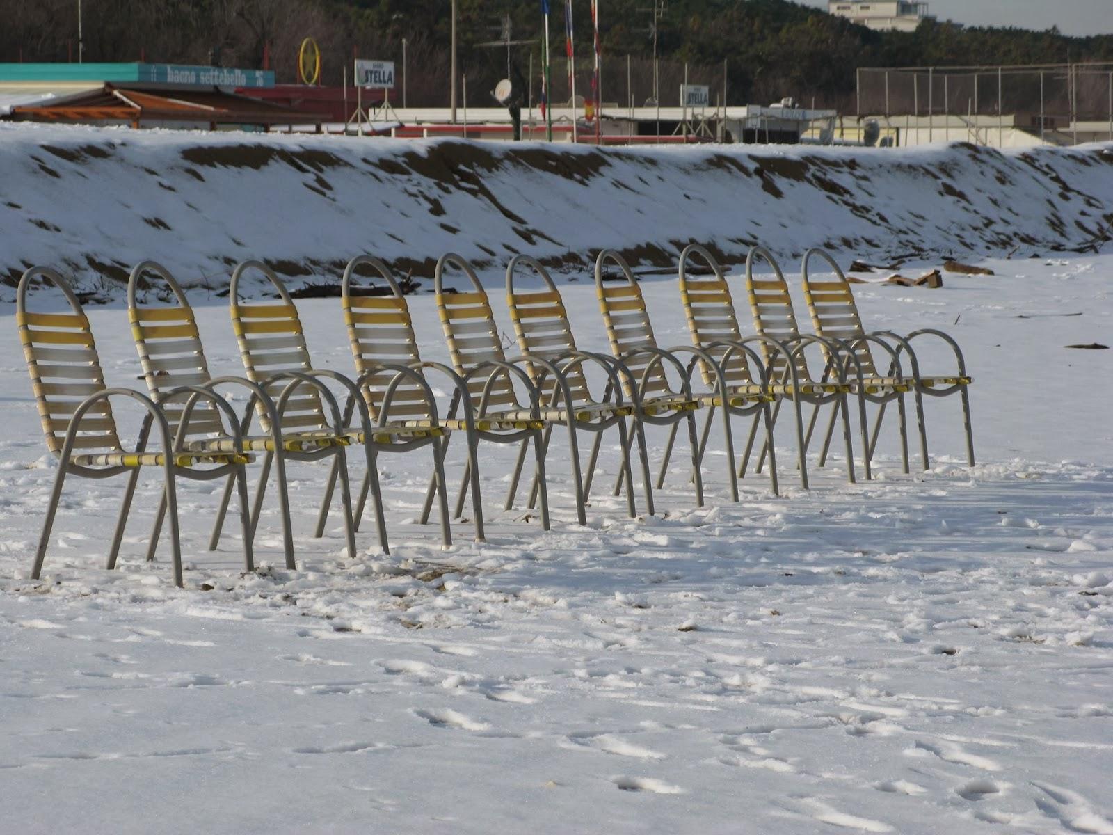 Bagno Mediterraneo Pinarella : Tuffo in mare a cervia ra lunedì 6 gennaio 2014 living ravenna