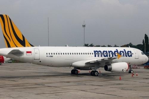 Pesawat Mandala Airlines Airbus A320