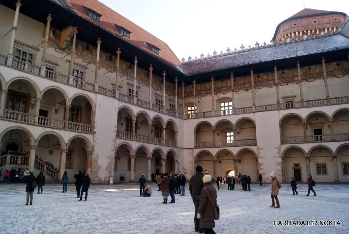 wavel courtyard