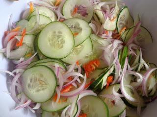 Ensalada fresca de pepinos