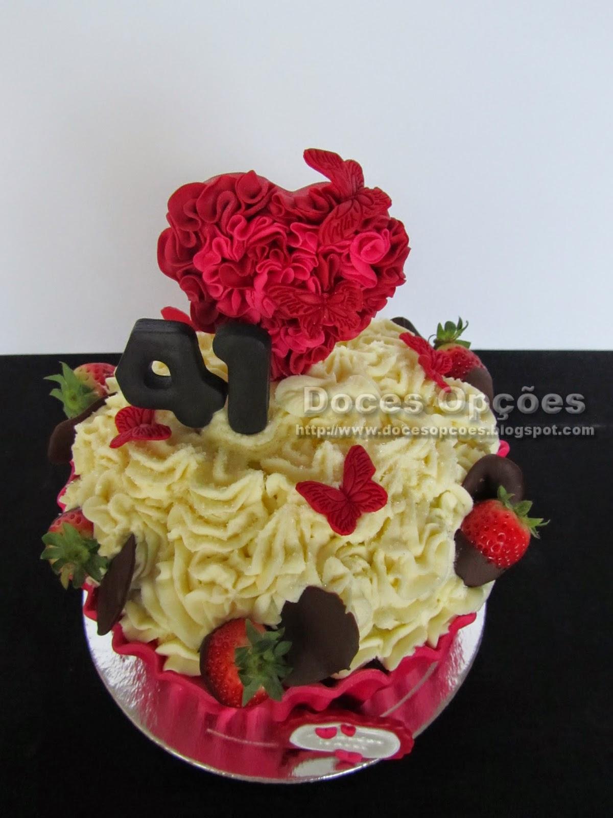 bolo aniversário decorado mogadouro