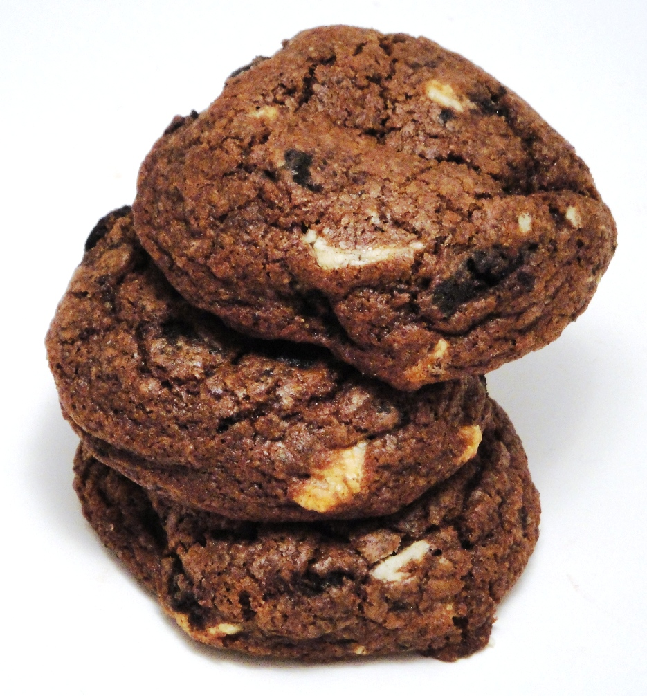 The Cereal Baker: Double Cookies and Cream Chocolate Cookies