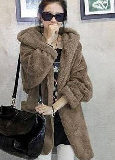 Abrigo con Mangas Anchas y Cuello Amplio