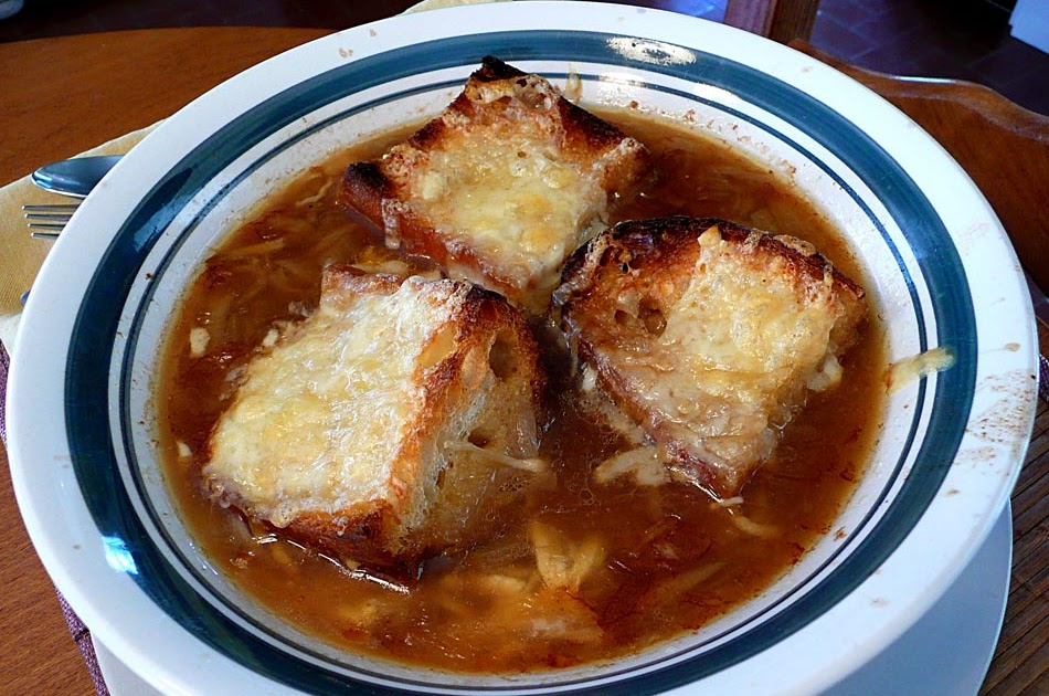 Living the life in Saint-Aignan: Onion soup, French-style