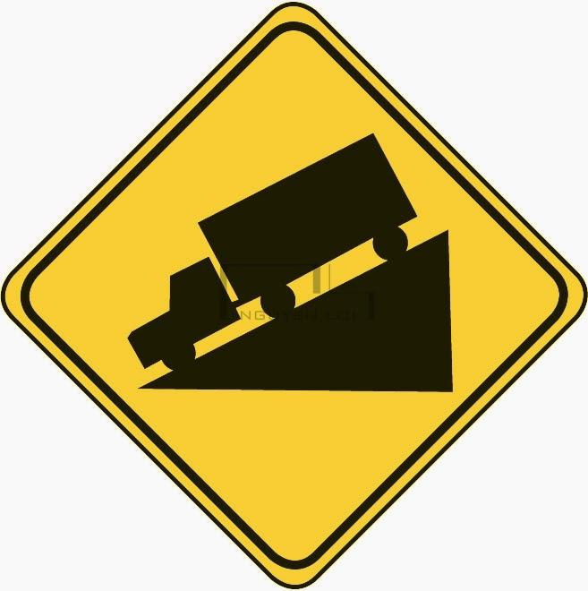 Xe tải chở hàng xuống dốc