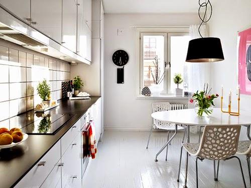 Bài trí phòng bếp nên xem màu phong thủy, màu trắng, xám nhẹ nhàng sẽ