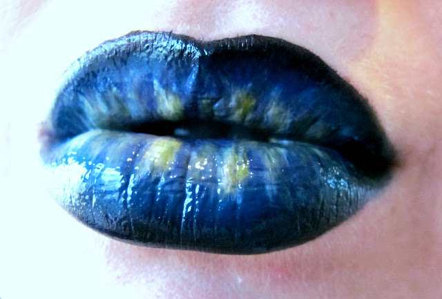 Hot Dark Blue Lip Makeup