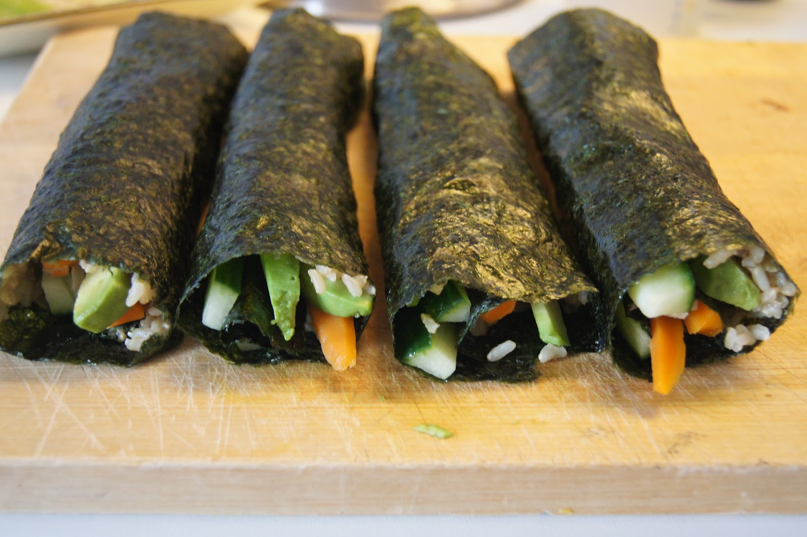 Vegan Brown Rice Sushi Rolls With Soy Sauce | Gluten-Free-Vegan-Girl