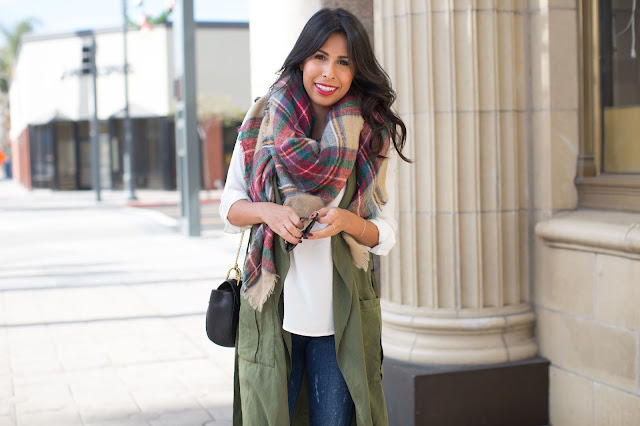 how to wear grey boots, plaid scarf outfit, casual winter outfit