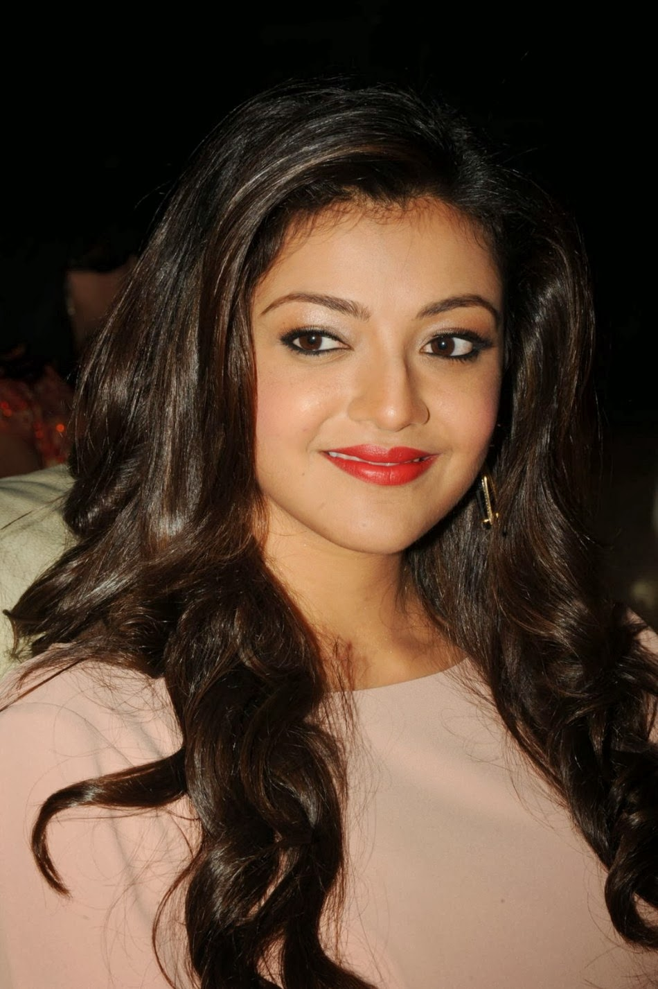 Kajal Agarwal Photos in Jilla Telugu Movie – Movie Photos