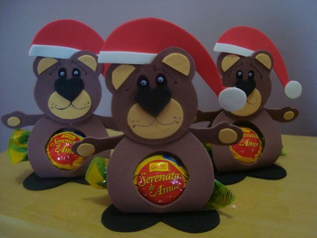 Lembrancinha de Natal: Ursinho Porta-bombom feito de E.V.A - foto: Andréia Miranda