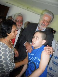 Mariene, presidente da Afaga, e Ivan, garoto autista, no encontro com o Governador Wagner e o Secretário Jorge Solla.